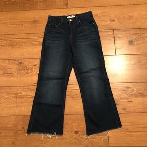 Levi's Hi-Rise Perfectly Slimming 512 Cropped jean